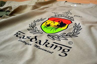 Rasdaking - T-Shirt - Textilveredelung - Referenzen | Clausen Werbung